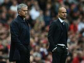 Mourinho e Guardiola, dois dos técnicos mais polêmicos do momento. AFP