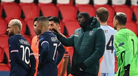 Demba Ba aclaró las cosas con Coltescu. AFP