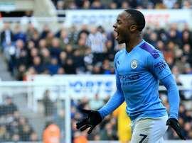 Puma propone un contratto milionario a Sterling. AFP