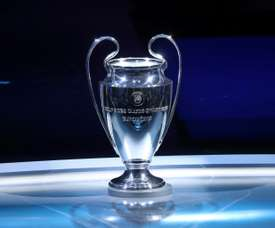 La UEFA sorteó los emparejamientos de la segunda ronda en Nyon. AFP