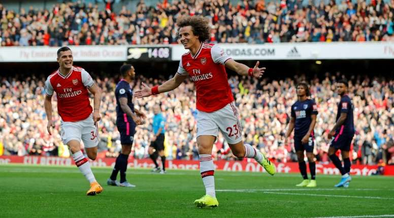 Luiz could move back to Benfica. AFP