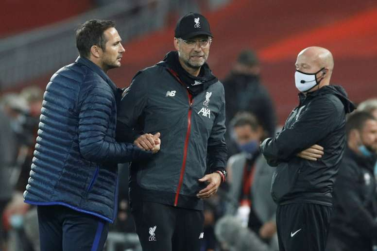 Frank Lampard (L) still says he respects Jurgen Klopp despite incidents. AFP