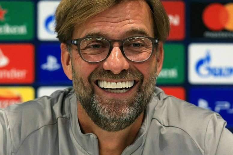 Klopp bromeó con el hecho de tener que jugar dos partidos seguidos en dos continentes distintos. AFP