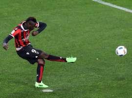 Balotelli logró el empate, de penalti. AFP