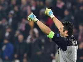 Gianluigi Buffon a 38 ans et ne veut pas arrêter le football pour le moment. AFP