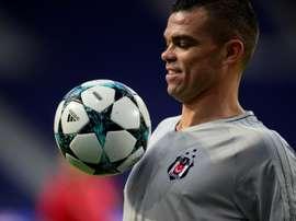 Pepe aimerait voir arriver son compatriote. AFP