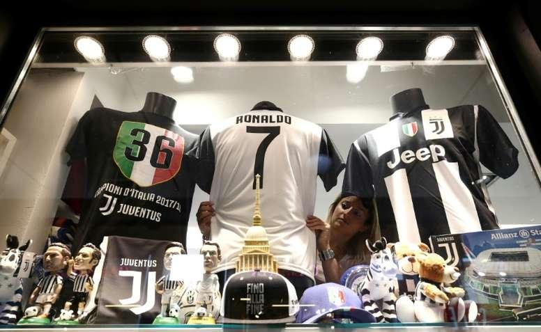 2b806b1f2 Juventus já vendeu mais de 500 mil camisolas de CR7 - BeSoccer