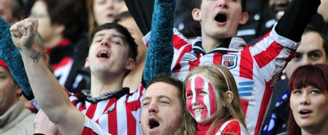 El Brentford ha recuperado a dos futbolistas cedidos. AFP/Archivo