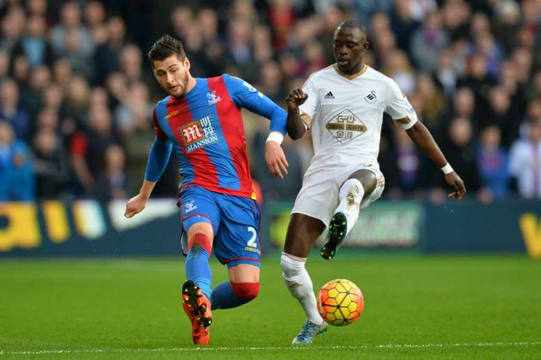 El jugador de Gambia jugará en el Championship. AFP