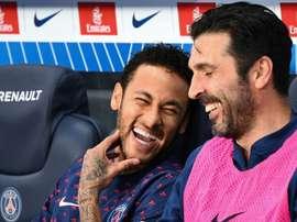 Buffon elogiou o futebol de Neymar e Mbappé e projetou o futuro da dupla. AFP