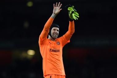 Petr Cech, tout un symbole devant les cages. AFP