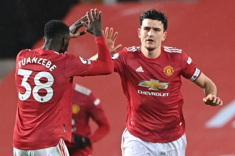 Man United stunned by Sheffield; Leicester draw 1-1 at Everton