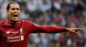 Van Dijk negó los rumores sobre su nuevo contrato. AFP