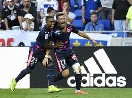 Sertic habría recibido amenazas de muerte por querer irse al Olympique de Marsella. AFP