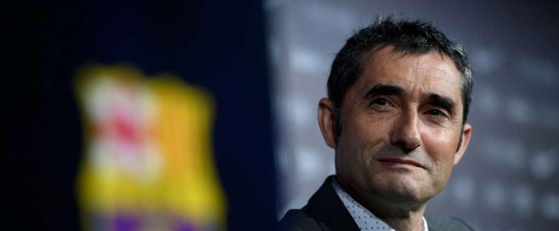 Juanfran é o objetivo principal para o banco dos 'Barça'. AFP