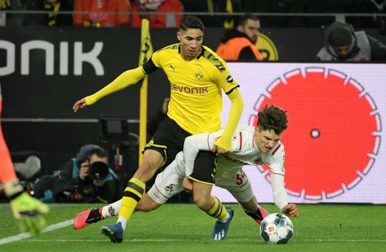 En Dortmund confían en retener a Achraf. AFP