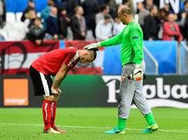 Gabor Kiraly es una de las sensaciones de la Eurocopa, por lo particular que resulta. AFP