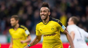 Dortmund's striker Pierre-Emerick Aubameyang has strange fashion sense. BeSoccer