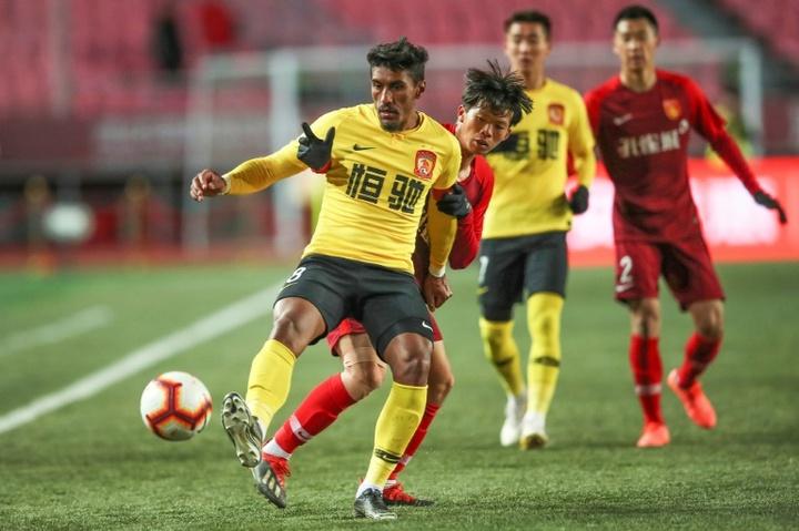 El ex del Barça vuelve a dejar China. AFP