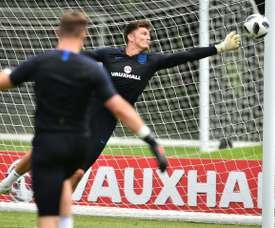 Nick Pope podría dar un salto de calidad en Inglaterra. AFP