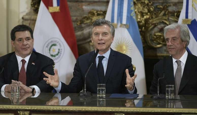 De Ginobili a Macri: más despedidas en Argentina dedicadas a Maradona. EFE
