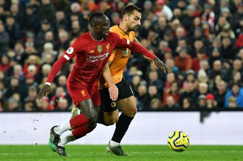 Sadio Mané se lesionó ante los Wolves, pero estará disponible para el Wanda. AFP