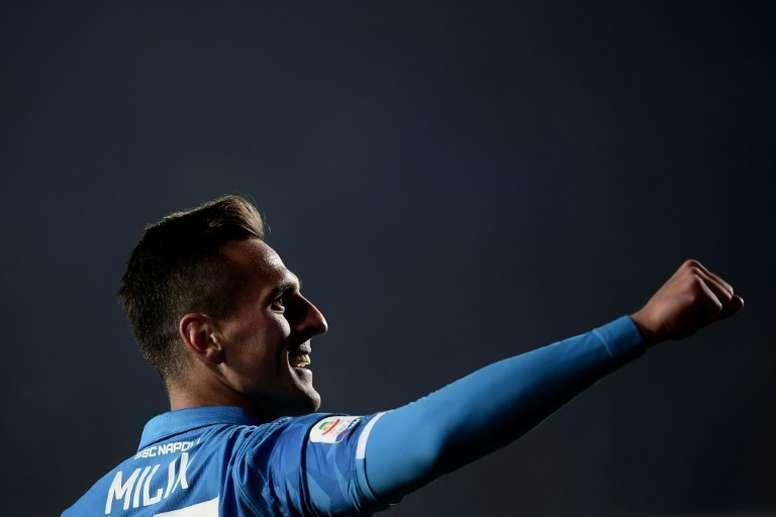 Milik, seguido por el Atlético. AFP