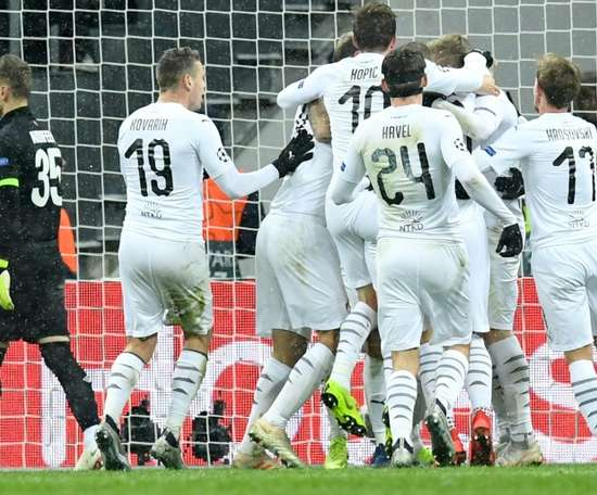 El viktoria Plzen sigue ganando en Liga. AFP