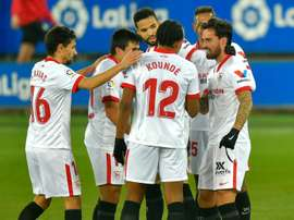Suso (R) scored a terrific goal to earn Sevilla victory at Alaves. AFP