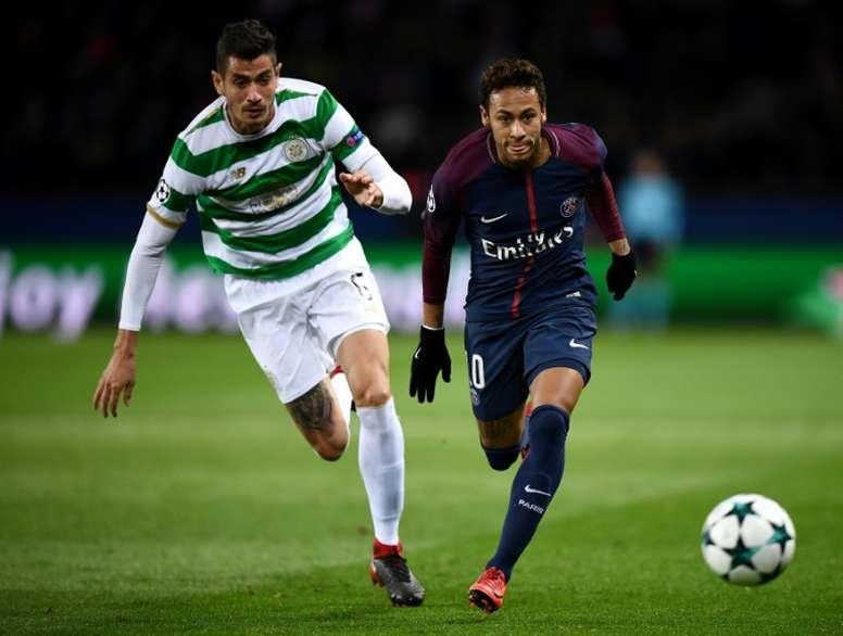 The midfielder Nir Bitton could leave Celtic for Burnley. AFP