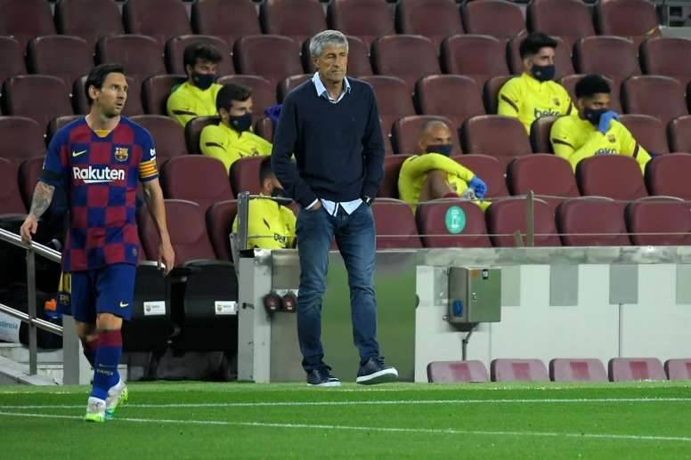 Setién tries to calm the waters after Barcelona's second draw. AFP