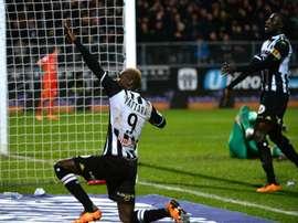 Mohamed Yattara pisté par Schalke 04. AFP