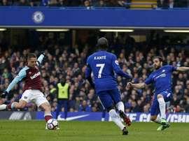 Chicharito valeu um ponto para o West Ham. AFP