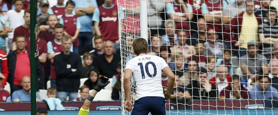 Kane foi decisivo no triunfo do Tottenham sobre o West Ham. AFP