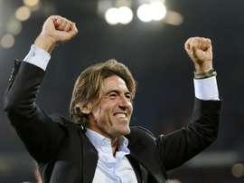 Aos 44 anos, o português volta ao clube onde terminou a carreira de jogador. AFP