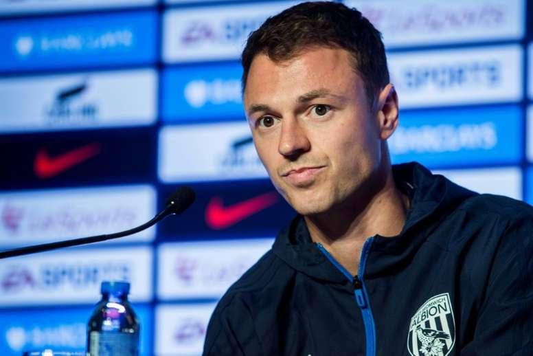 Guardiola reconoció que Jonny Evans era muy caro. AFP