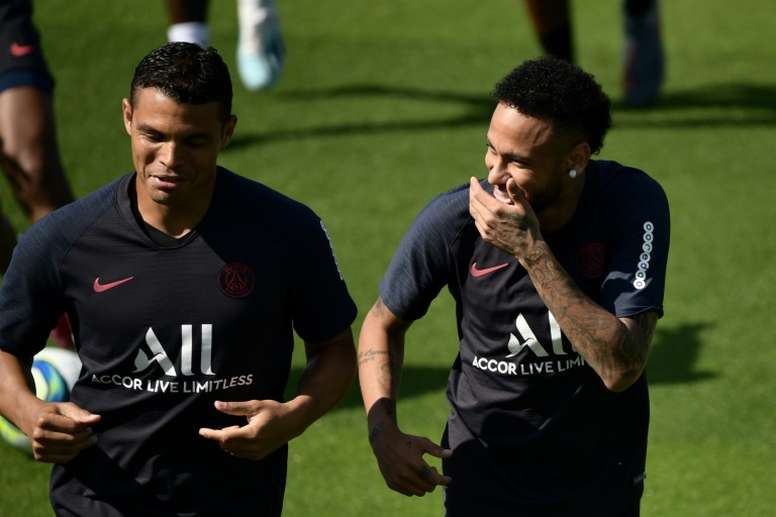 Thiago Silva, sollevato per la permanenza di Neymar. AFP