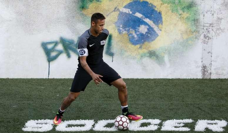 'Le Parisien' desvela los datos de la oferta del Barcelona por Neymar. AFP