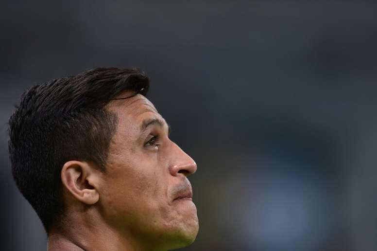 Alexis se lesionó con Chile. AFP