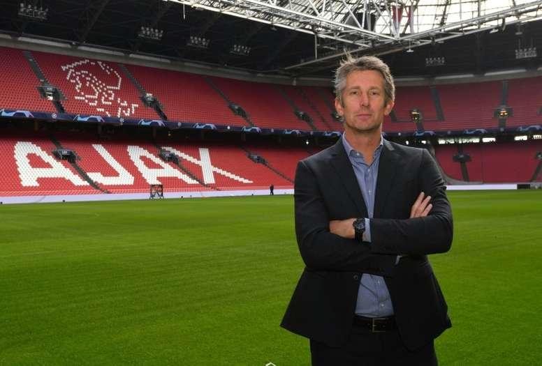 Van der Sar cree que el Barça tiene más encanto que el Madrid. AFP