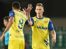 El Chievo sigue con paso firme en la Serie A y se coloca tercero. AFP