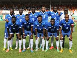 Sierra Leones national football team players pose prior to an African Cup of Nations 2015 qualifying football match Ivory Coast vs Sierra Leone on November 14, 2014 at the Houphouet Boigny stadium in Abidjan