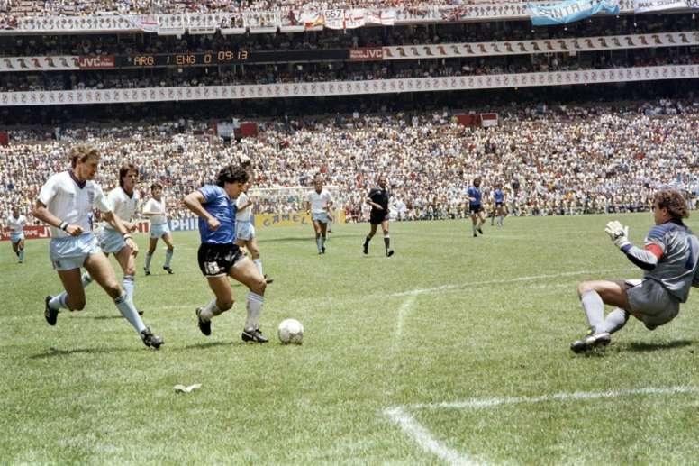Maradona ha inspirado numerosas canciones y cánticos. AFP