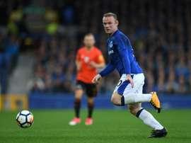 Rooney não para de marcar ao Arsenal e a Petr Cech. AFP