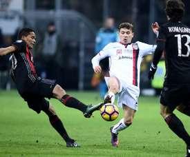 O Cagliari bateu o Milan por duas bolas a uma. AFP