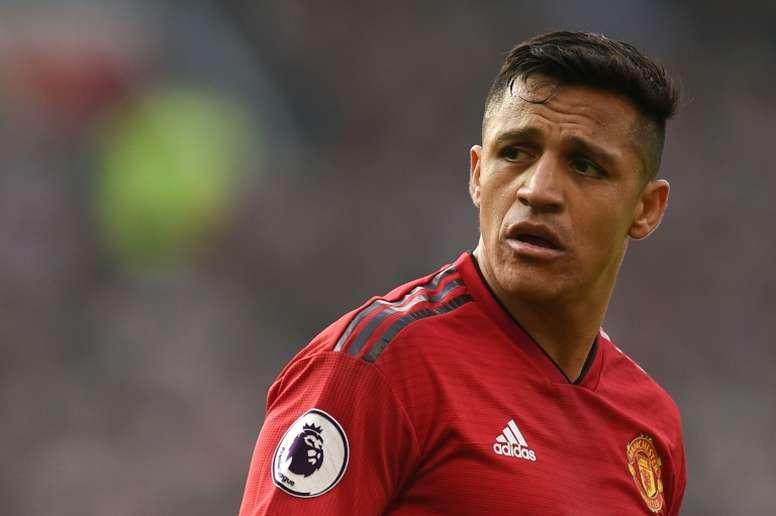 La aventura de Alexis en el United llega a su fin. AFP