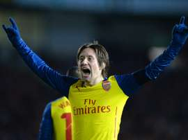 Arsenals Czech midfielder Tomas Rosicky celebrates scoring during the FA Cup fourth round football match between Brighton & Hove Albion and Arsenal in Brighton, England on January 25, 2015