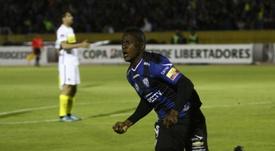 José Angulo tendrá que volver al Granada cuando termine el plazo de sanción. AFP