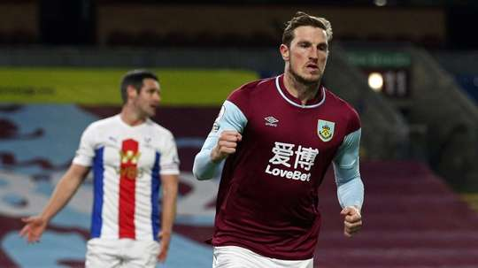 Wood ends Burnley's wait for first win, Saints held by Wolves