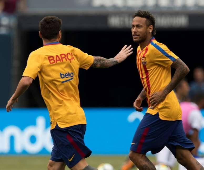 'Marca': Messi intenta apartar a Neymar del Madrid. AFP